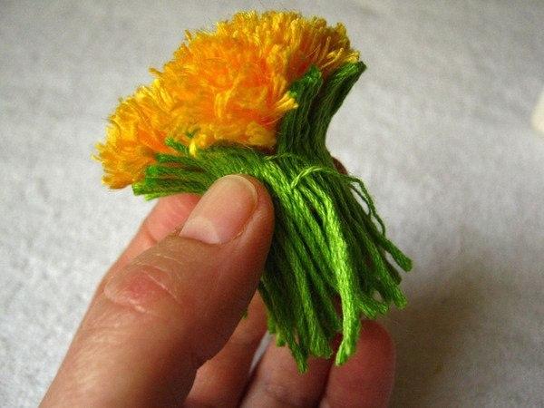 Цветы из пряжи своими руками фото