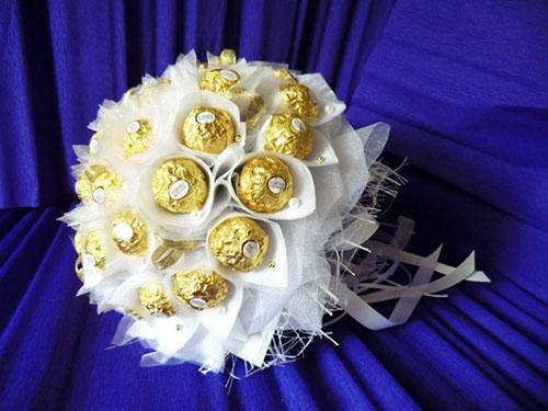 Сладкий букет из конфет своими руками на свадьбу 5